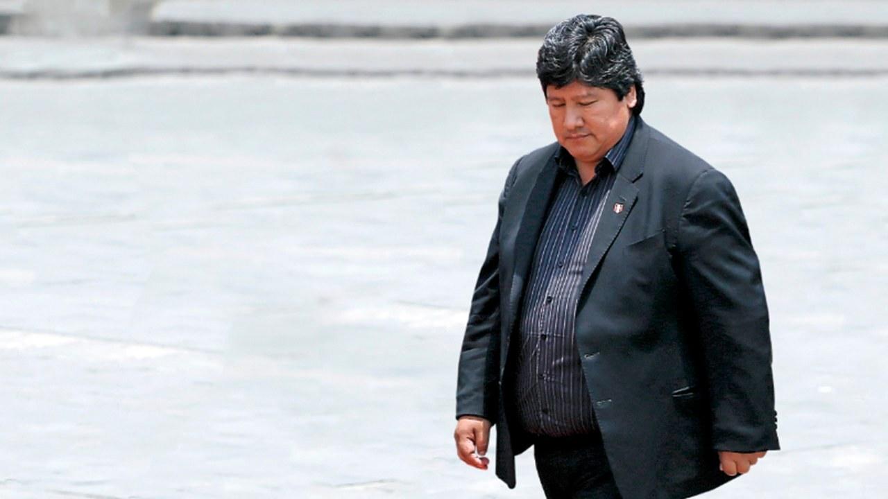 Fiscalía solicita 24 meses de prisión preventiva para Edwin Oviedo, presidente de la FPF